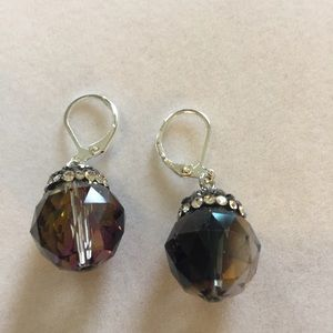 Faceted Iridescent Ombré Drop earrings, NWT